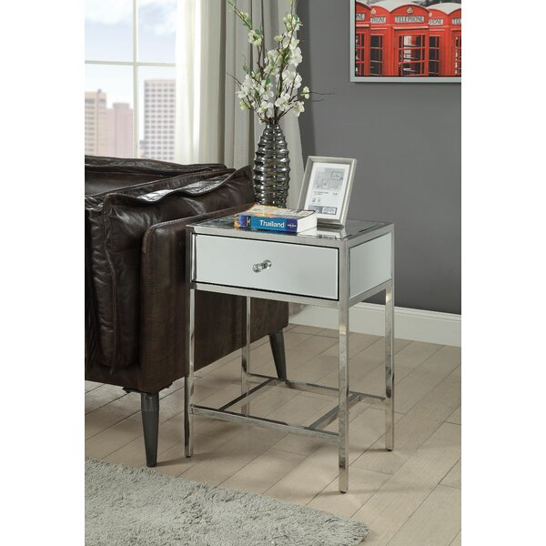 Nisbet End Table by House of Hampton