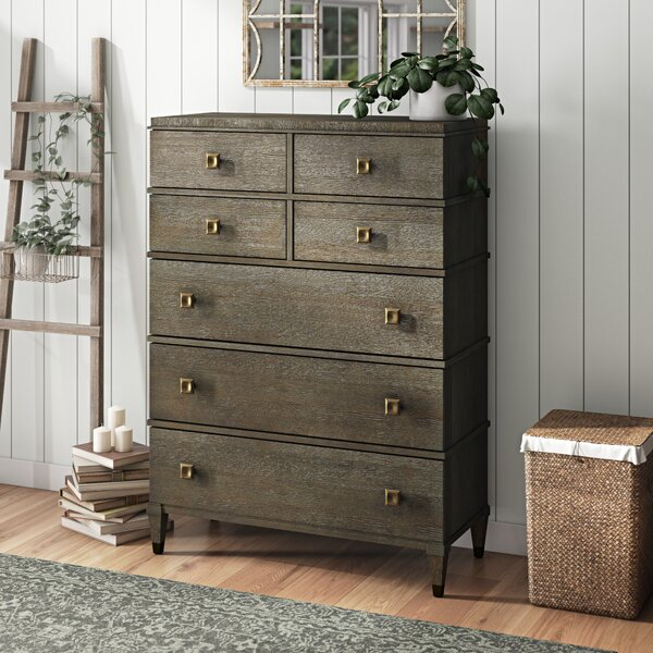 Hazen 7 Drawer Chest by Greyleigh