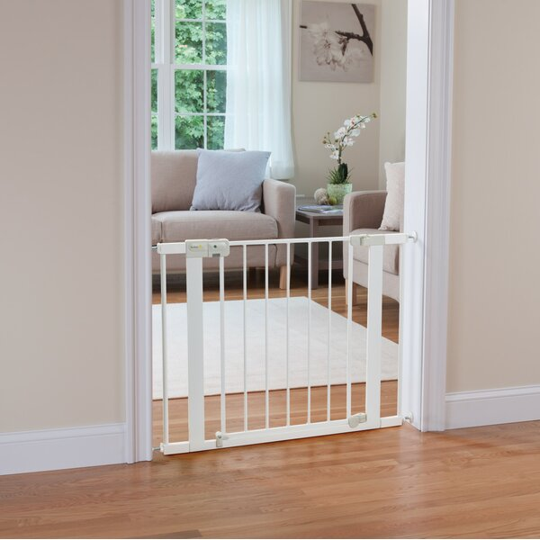 Easy Install Auto-Close Safety Gate by Safety 1st