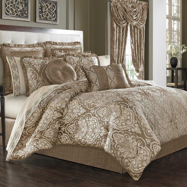 Cauley Comforter Set