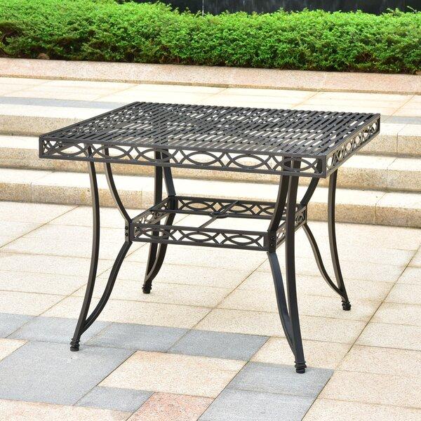 Oak Bluffs Metal Dining Table by Fleur De Lis Living