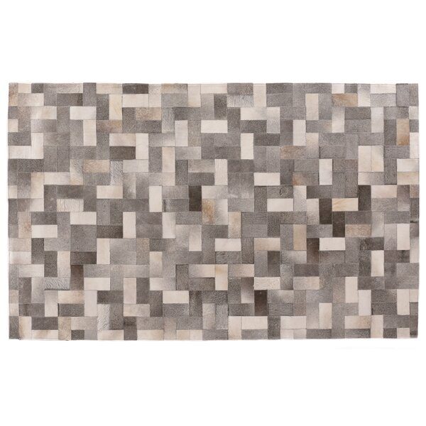 Natural Hide Hand-Tufted Cowhide Silver/Gray/Ivory Area Rug by Exquisite Rugs