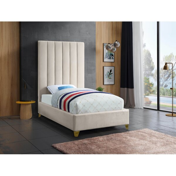 Alaysia Upholstered Platform Bed by Everly Quinn