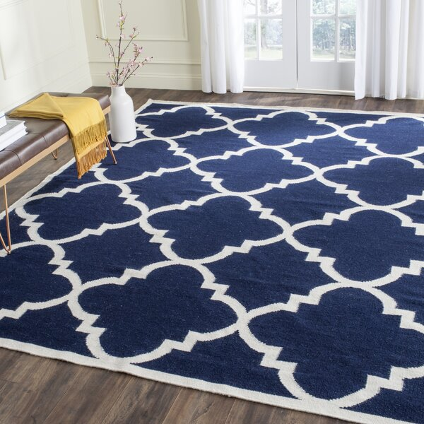 Dhurries Hand-Woven Wool Navy/Ivory Area Rug by Safavieh