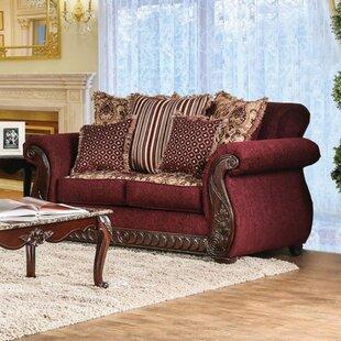 Shelba Traditional Sofa