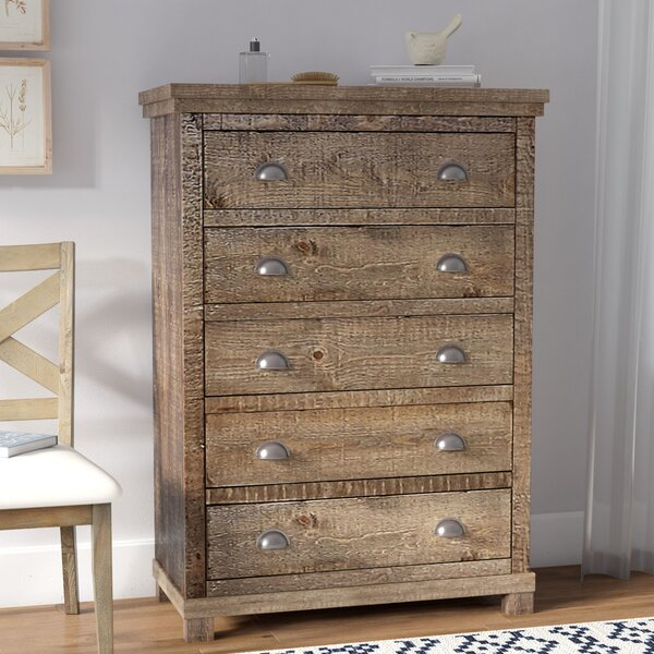 Castagnier 5 Drawer Standard Dresser/Chest by Lark Manor