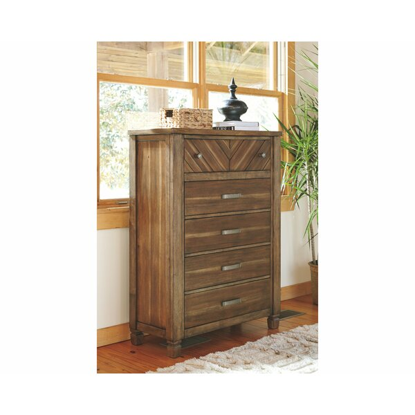 Laila 5 Drawer Standard Dresser/Chest by Loon Peak