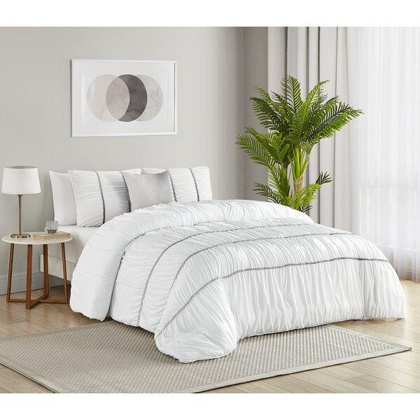 Vickery Comforter Set