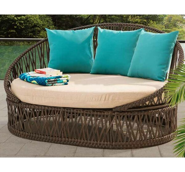 Agawam Daybed with Cushions by Bungalow Rose