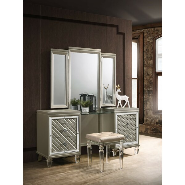Henrik 3 Piece Vanity Set with Mirror by Rosdorf Park