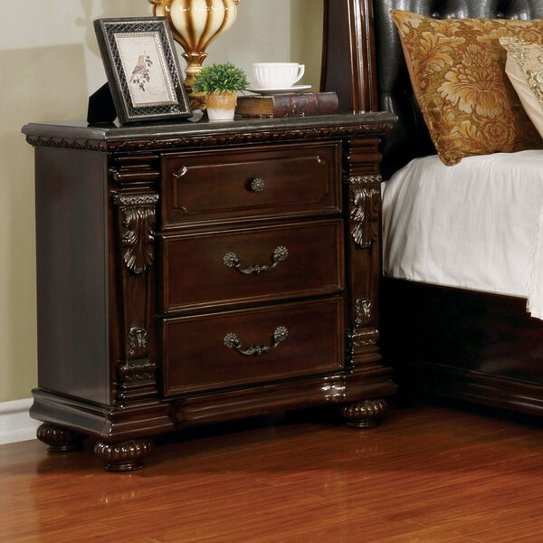 Kelly Traditional 3 Drawer Nightstand by Fleur De Lis Living