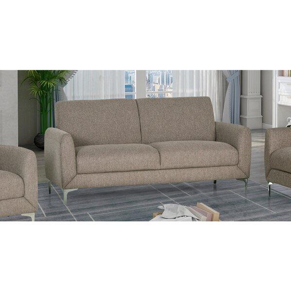 Review Geise Sofa