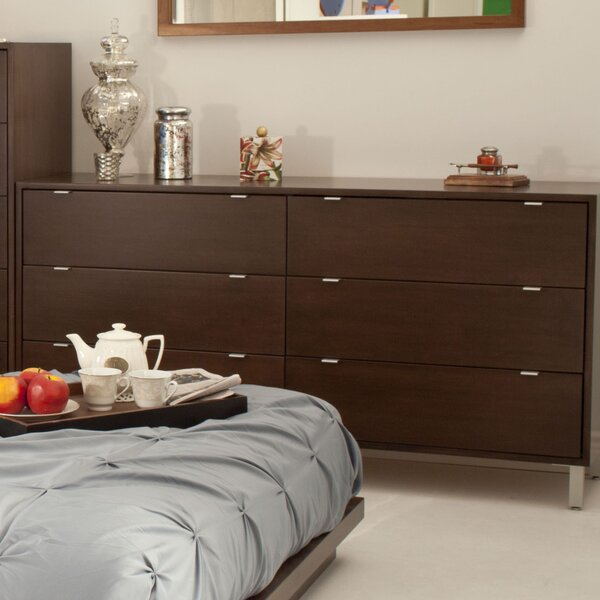 Southville 6 Drawer Standard Dresser/Chest by Latitude Run