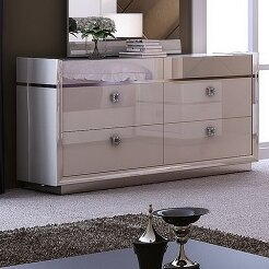 Whicker 6 Drawer Double Dresser by Everly Quinn