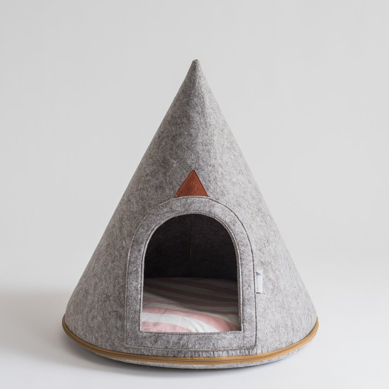 Nooee Pet Gray Felt Pet Cave Hooded Dog Bed With Arch Door Reviews