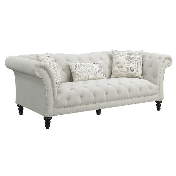 Fine Quality Versailles Chesterfield Sofa by Lark Manor by Lark Manor