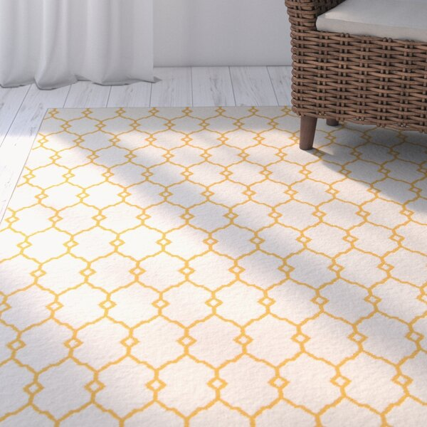 Halliday Yellow/Beige Indoor/Outdoor Area Rug by Beachcrest Home