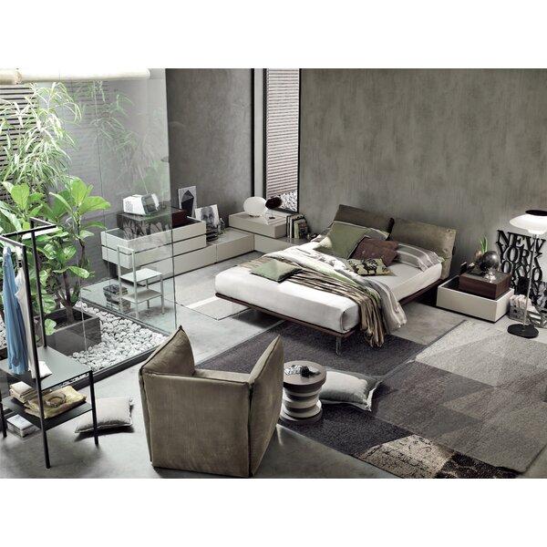Piuma Upholstered Standard Bed by YumanMod