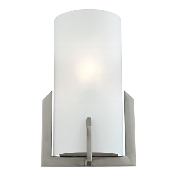 Woodrow 1-Light Wall Sconce by Latitude Run