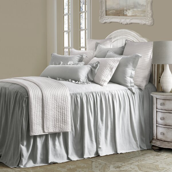 Luna Coverlet Set