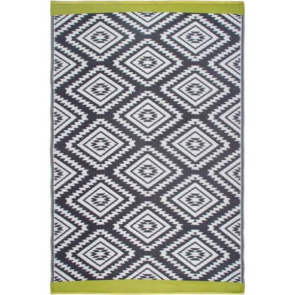 World Collection Gray/White Indoor/Outdoor Area Rug by Fab Habitat