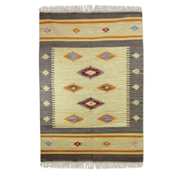 Muldoon Dhurrie Festive Stars Hand-Woven Wool Yellow Area Rug by Loon Peak