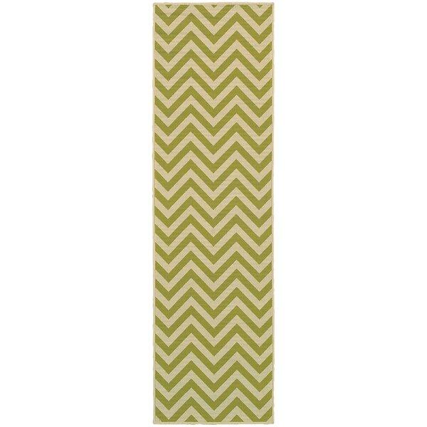 Heath Green/Ivory Chevron Indoor/Outdoor Area Rug by Ebern Designs
