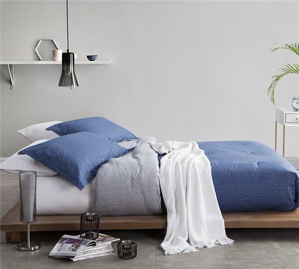 Bartelt Single Comforter by Ivy Bronx