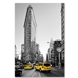 Flatiron Building NYC Photographic Print on Wrapped Canvas by Latitude Run