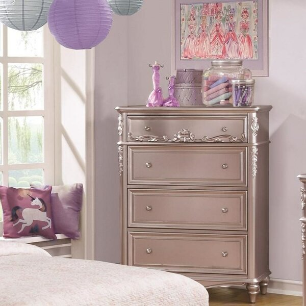Carlee Spacious Wooden 4 Drawers Chest by Rosdorf Park