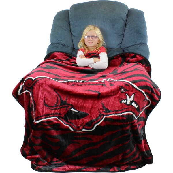 Arkansas Razorbacks Throw Blanket by College Covers