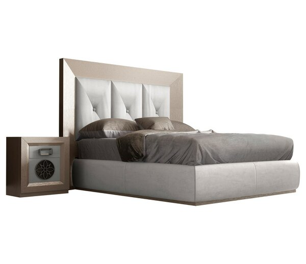 Kogan Panel 4 Piece Bedroom Set by Everly Quinn