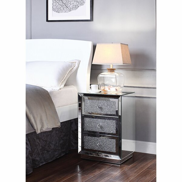Albers Wooden 3 Drawer Nightstand by Everly Quinn