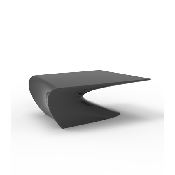 Wing Plastic Coffee Table by Vondom