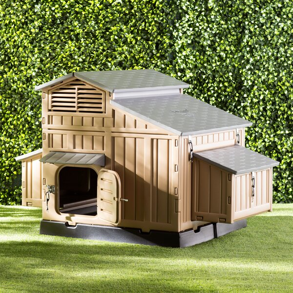 Large Snap Lock Chicken Coop by Formex