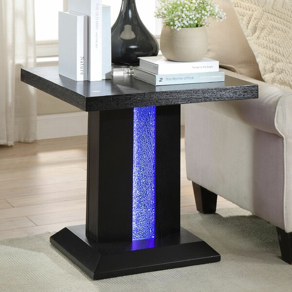 Buford End Table by House of Hampton