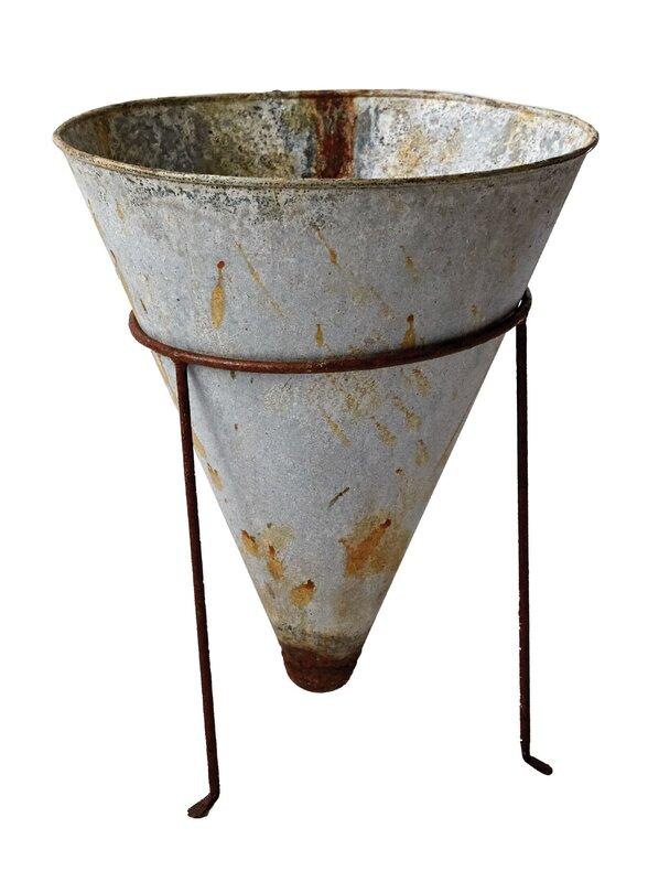 Botanist Tin Pot Planter