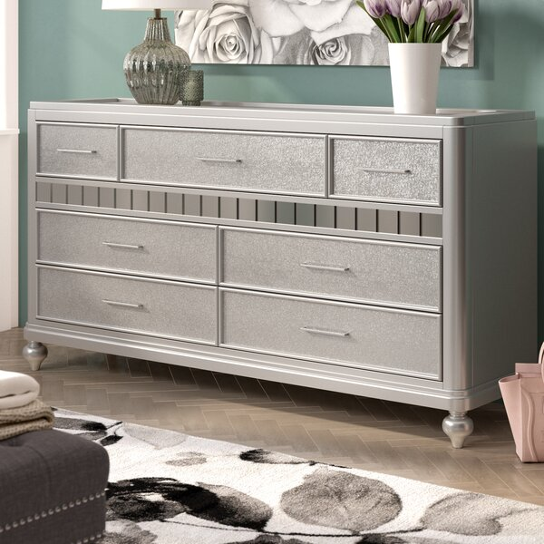 Adhafera 7 Drawer Dresser by Rosdorf Park