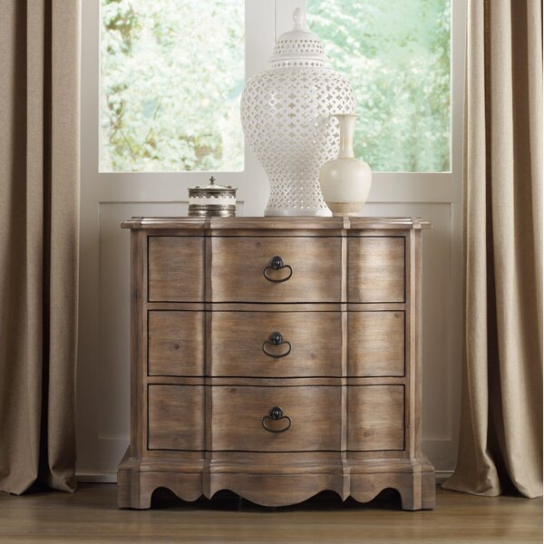 Corsica 3 Drawer Bachelors Chest by Hooker Furniture