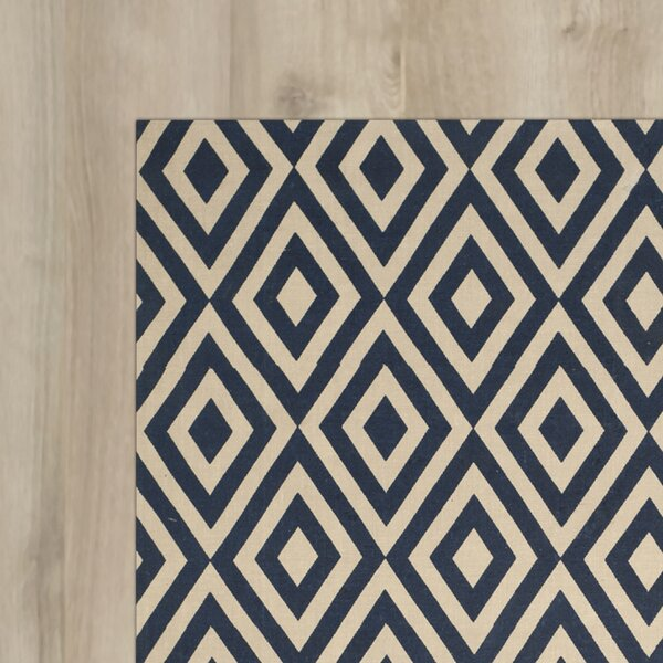 Columbus Circle Hand-Loomed Ivory / Navy Area Rug by Wrought Studio