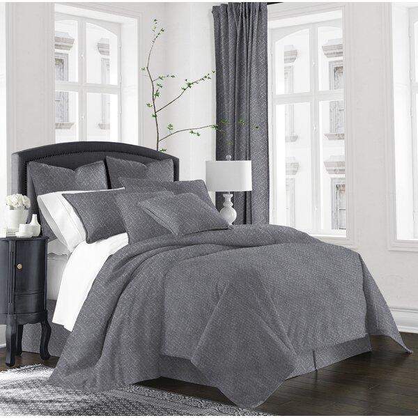 Waukomis Comforter Set