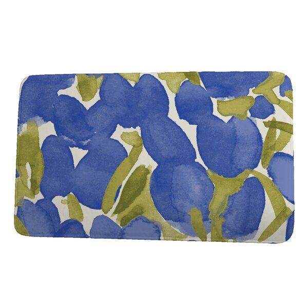 Lucchesi Tulip Rectangle Non-Slip Floral Bath Rug