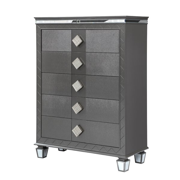 Halcomb 5 Drawer Chest by Everly Quinn