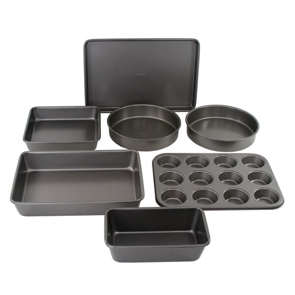 7 Piece Non-Stick Bakeware Set by Oneida