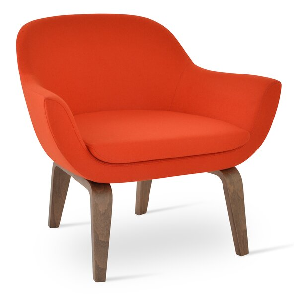 Tiyrene Four Leg Armchair by Comm Office