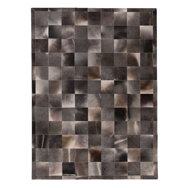 Natural Hide Hand-Tufted Cowhide Gray Area Rug by Exquisite Rugs