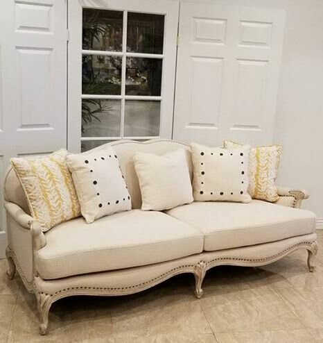 Ava Loveseat by Benetti's Italia