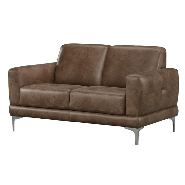 Review Lale Loveseat