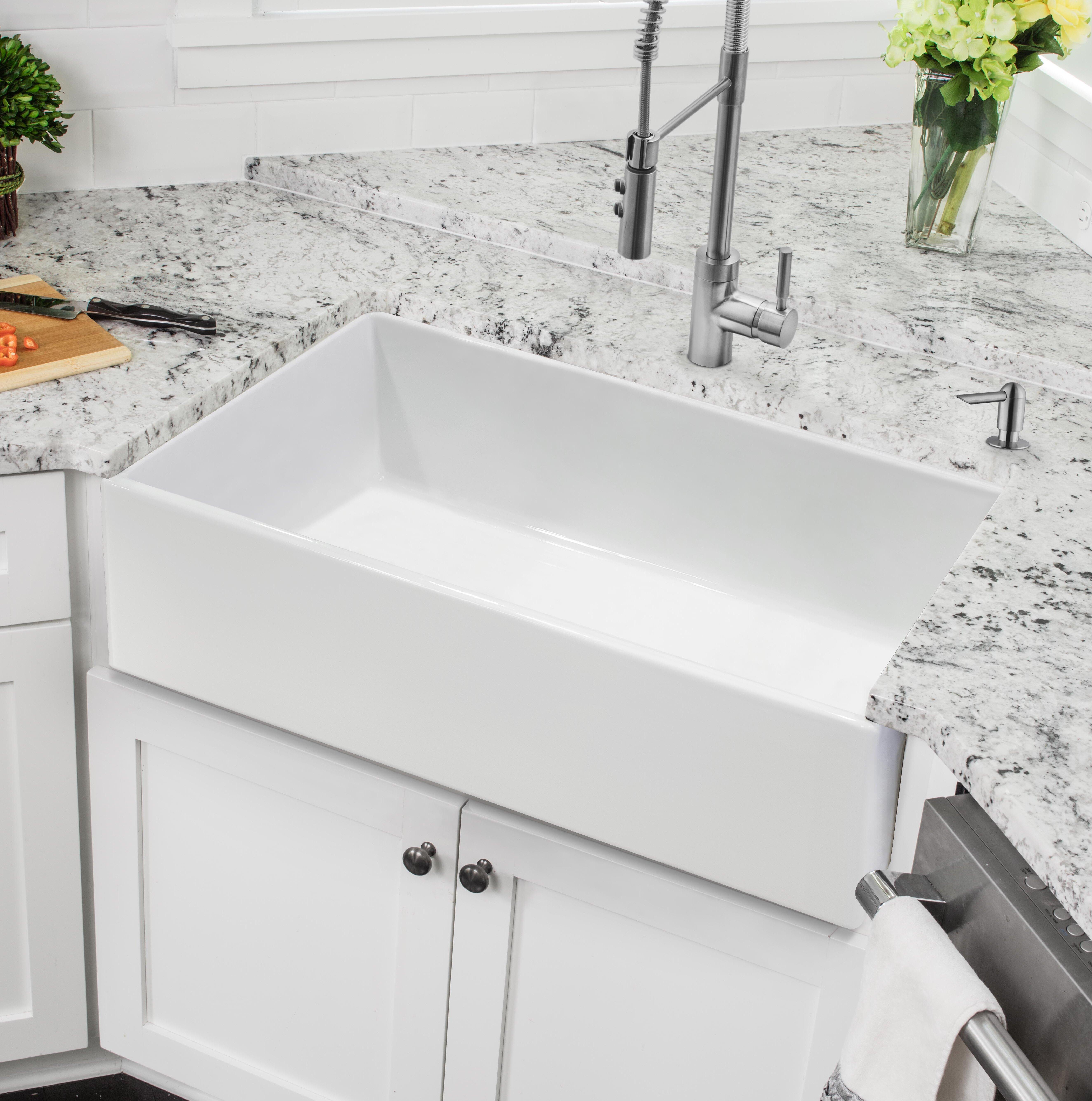X 18 W Farmhouse Kitchen Sink