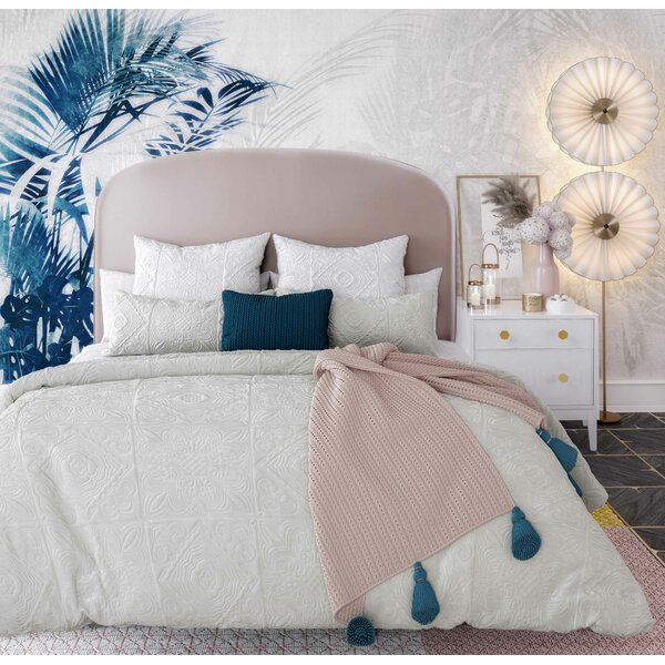 Judi Upholstered Platform Bed by Everly Quinn
